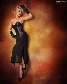 Fotograf: Dirk Ludwig www.dirk-Ludwig.de Bildbearbeitung: Manfred Fiedler Model: Model MISS MM H&M: Bonnys Wonderland Outfit: Corsets by Ludwig Lilienthal